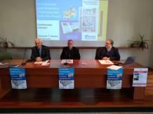 Il tavolo dei relatori da sinistra : Marco Tarquinio, il vescovo Pavanello e don Enrico Turcato